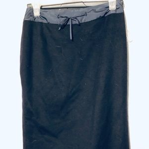 SKIRT BY TAHARI SIZE 4